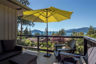 Main Photo: 185 PANORAMA Place: Lions Bay House for sale (West Vancouver)  : MLS(r) # R2181309