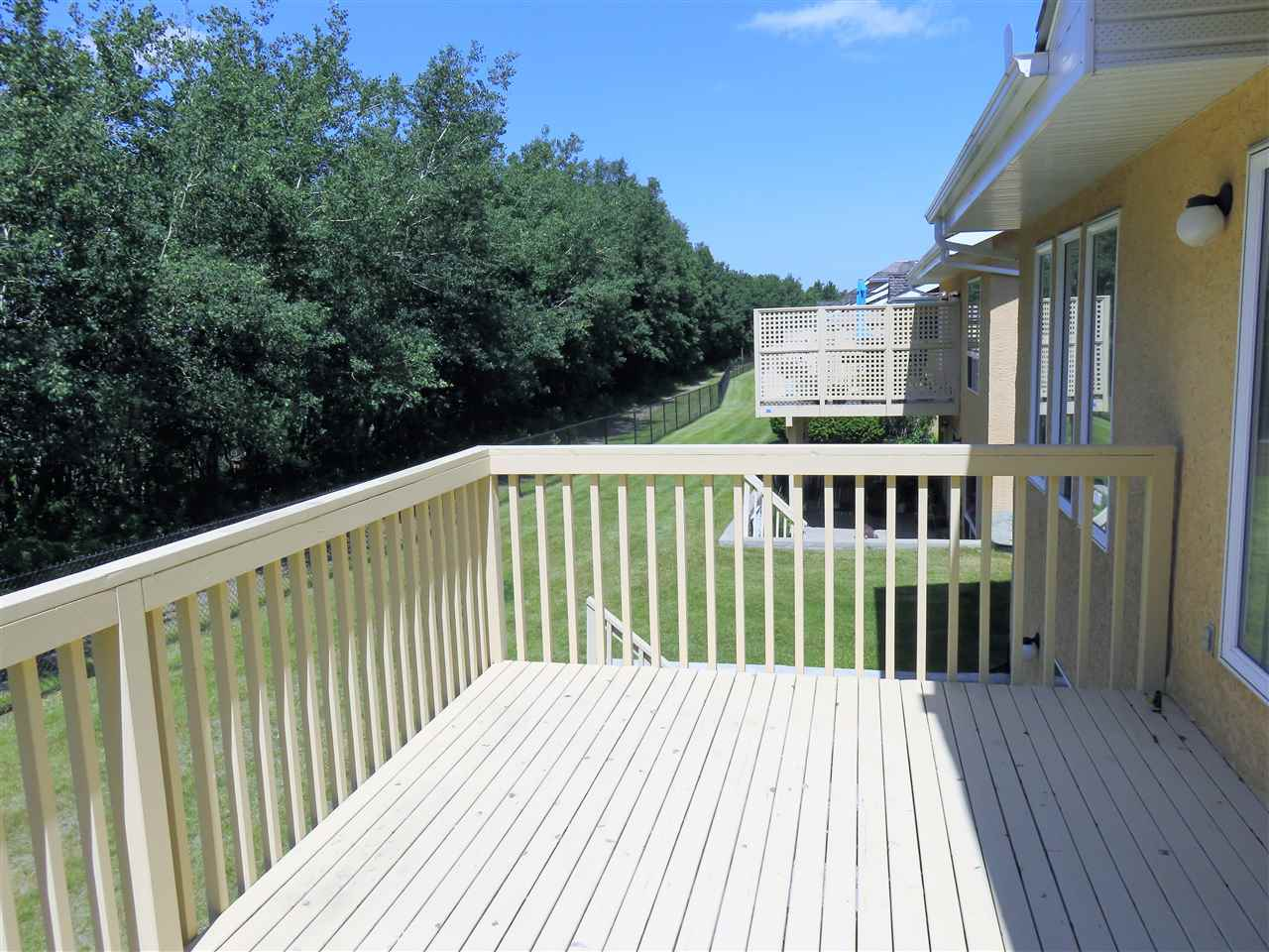 Another photo of the Upper Rear Deck! Note there is a Gas Line for your BBQ! :)