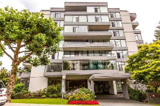 "Main Photo: 115 1420 DUCHESS Avenue in West Vancouver: Ambleside Condo for sale in ""The Westerlies"" : MLS(r) # R2187312"