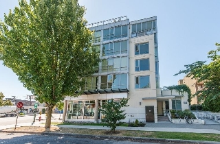 Main Photo: 201 1808 W 3RD Avenue in Vancouver: Kitsilano Condo for sale (Vancouver West)  : MLS(r) # R2192324