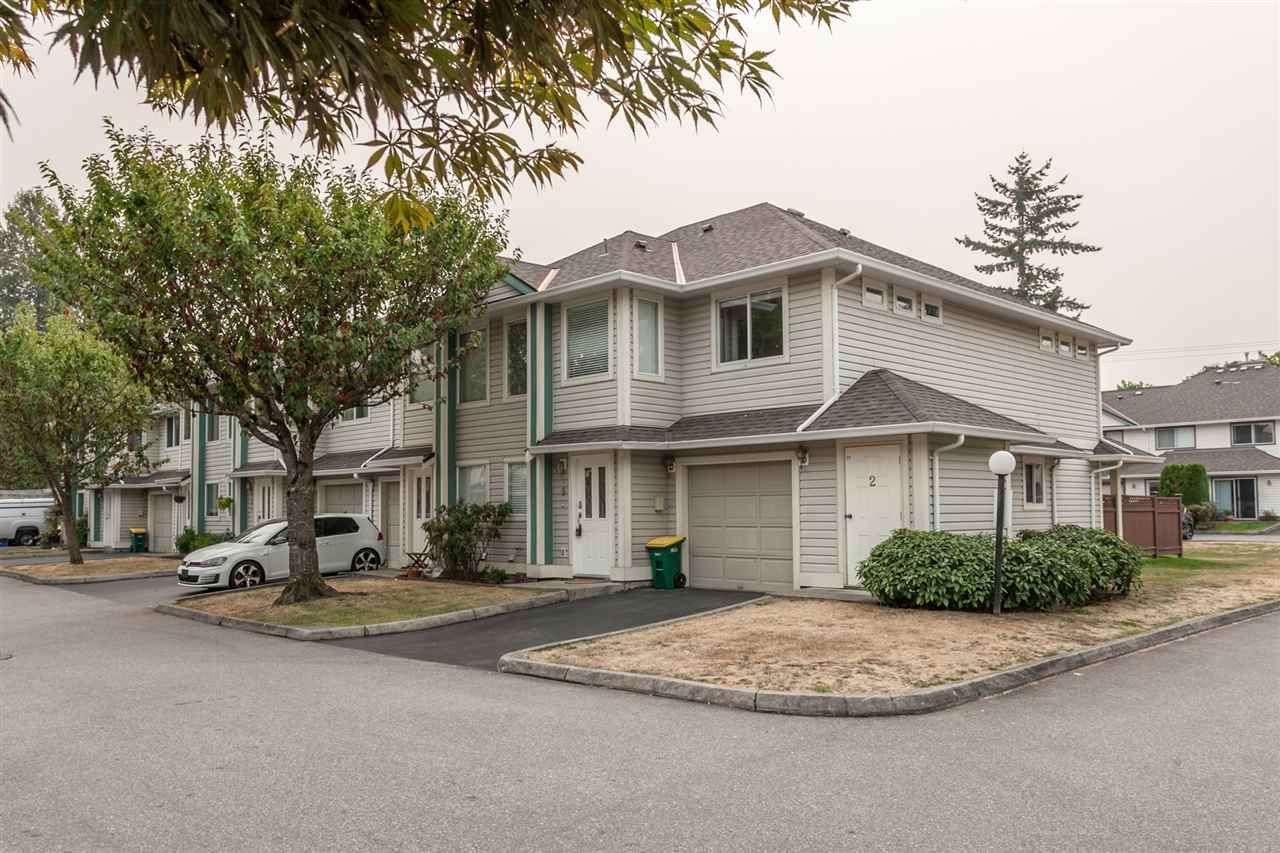 "Main Photo: 19 11950 232 Street in Maple Ridge: North Maple Ridge Townhouse for sale in ""GOLDEN EARS VISTA"" : MLS®# R2202624"