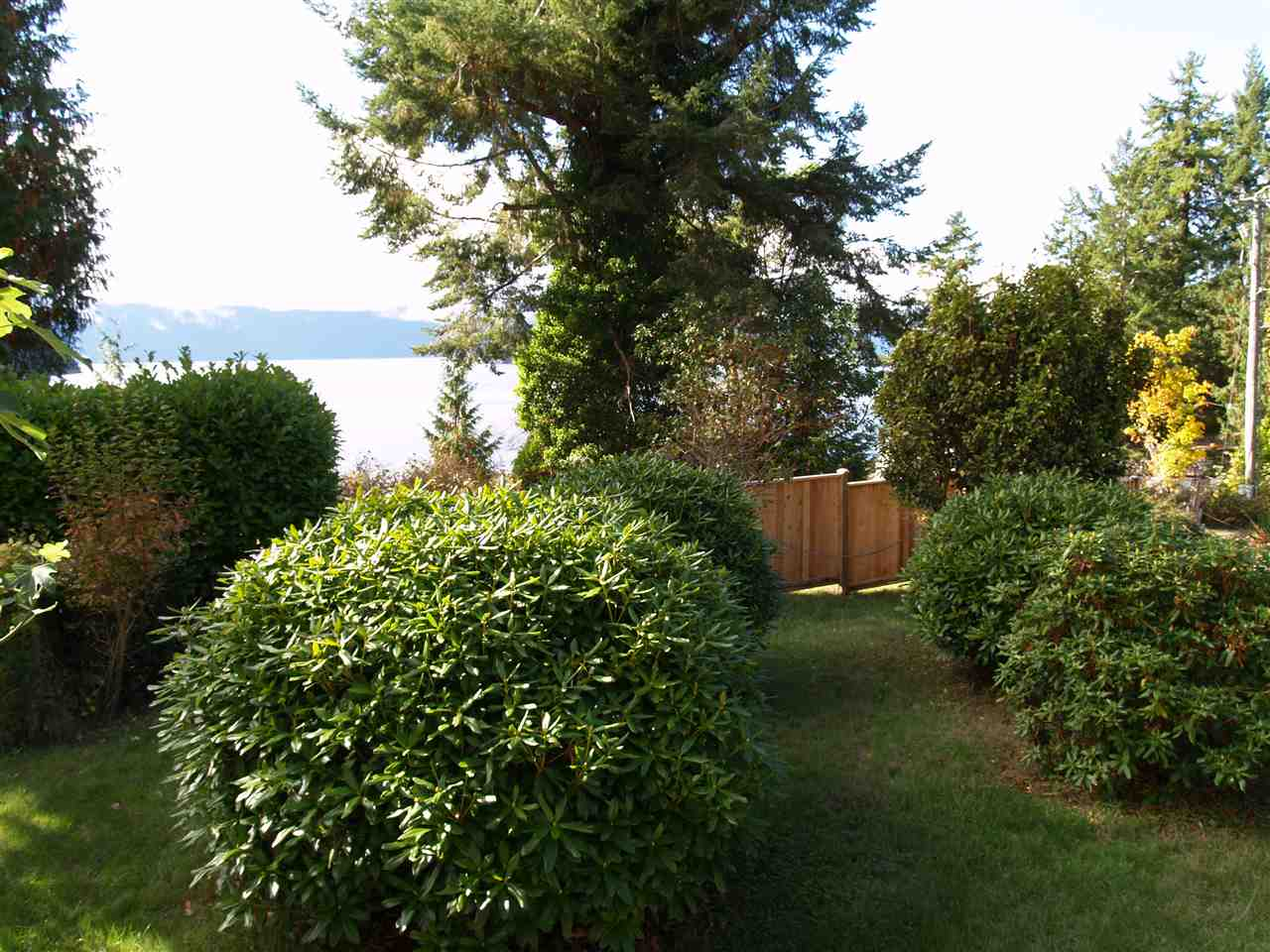 Photo 4: Photos: 4175 IRVINES LANDING Road in Garden Bay: Pender Harbour Egmont House for sale (Sunshine Coast)  : MLS®# R2213995