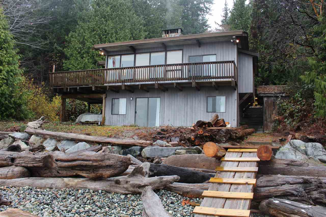 "Photo 2: Photos: 2027 CASSIDY Road: Roberts Creek House for sale in ""CLOSE TO CAMP BYNG"" (Sunshine Coast)  : MLS® # R2223864"