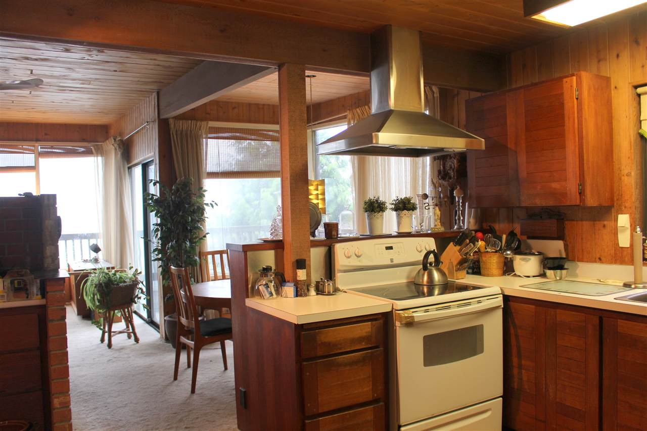 "Photo 8: Photos: 2027 CASSIDY Road: Roberts Creek House for sale in ""CLOSE TO CAMP BYNG"" (Sunshine Coast)  : MLS® # R2223864"