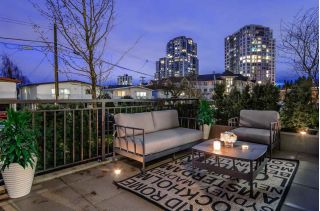 "Main Photo: 5520 ORMIDALE Street in Vancouver: Collingwood VE Townhouse for sale in ""The Gardens in Wall Centre"" (Vancouver East)  : MLS® # R2231237"