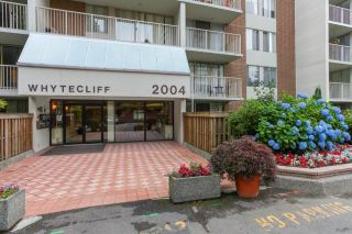 "Main Photo: 1401 2004 FULLERTON Avenue in North Vancouver: Pemberton NV Condo for sale in ""WOODCROFT ESTATES"" : MLS® # R2241394"