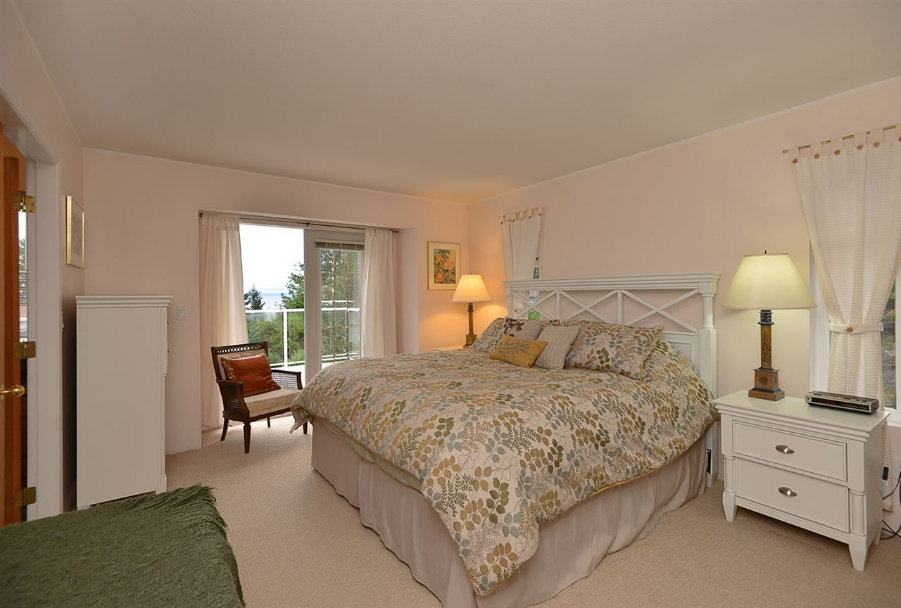 "Photo 8: Photos: 9200 REGAL Road in Halfmoon Bay: Halfmn Bay Secret Cv Redroofs House for sale in ""Curran Rd subdivision"" (Sunshine Coast)  : MLS®# R2243491"
