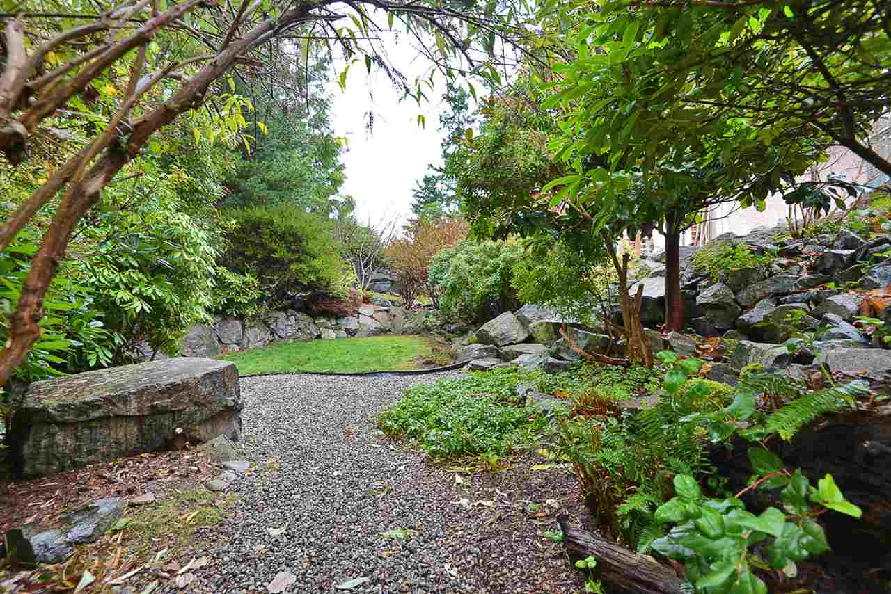 "Photo 18: Photos: 9200 REGAL Road in Halfmoon Bay: Halfmn Bay Secret Cv Redroofs House for sale in ""Curran Rd subdivision"" (Sunshine Coast)  : MLS®# R2243491"