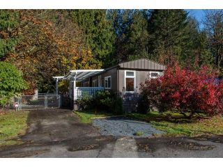"Main Photo: 18 45955 SLEEPY HOLLOW Road: Cultus Lake Manufactured Home for sale in ""Liumchen Village"" : MLS®# R2318464"