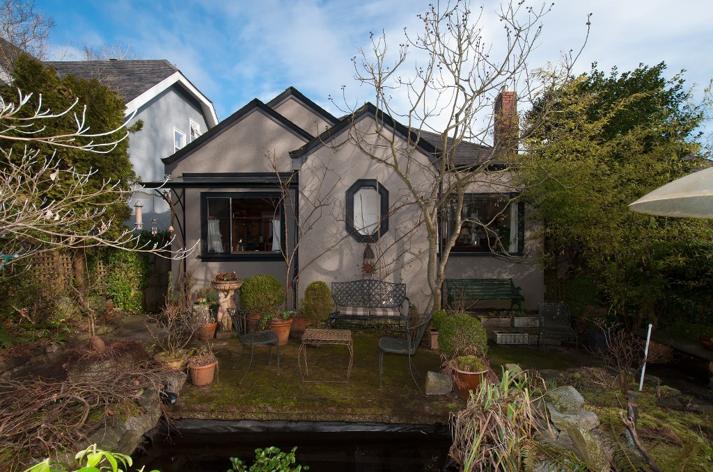 Main Photo: 4089 W 15TH AV in Vancouver: Point Grey House for sale (Vancouver West)  : MLS® # V1052117