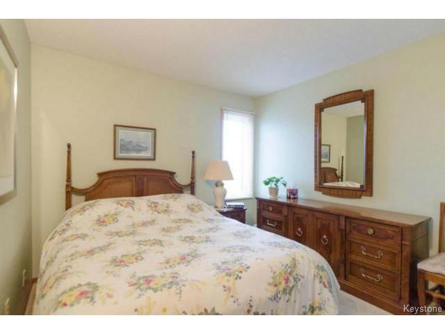 Photo 12: 26 Timmerman Place in WINNIPEG: North Kildonan Residential for sale (North East Winnipeg)  : MLS® # 1427541