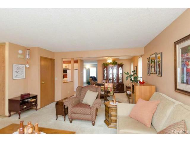 Photo 4: 26 Timmerman Place in WINNIPEG: North Kildonan Residential for sale (North East Winnipeg)  : MLS® # 1427541