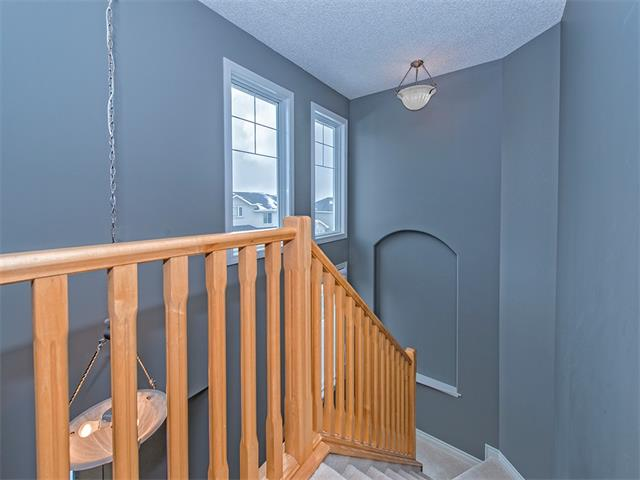 Photo 9: 55 ROCKLEDGE Terrace NW in Calgary: Rocky Ridge Ranch House  : MLS(r) # C4005810