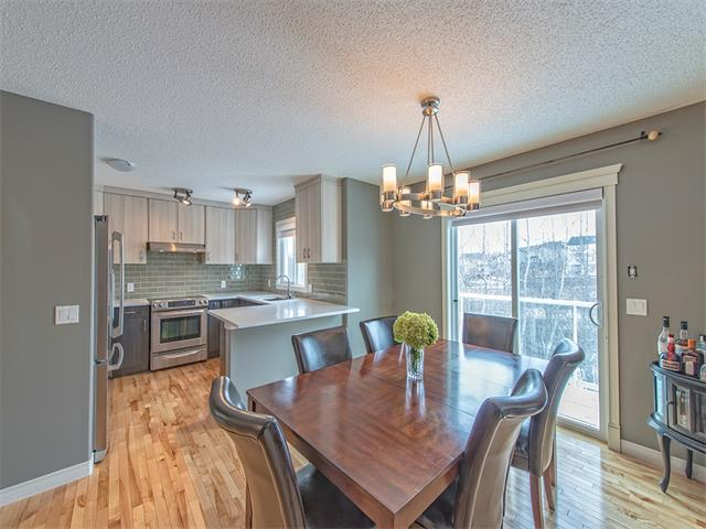 Photo 2: 55 ROCKLEDGE Terrace NW in Calgary: Rocky Ridge Ranch House  : MLS(r) # C4005810
