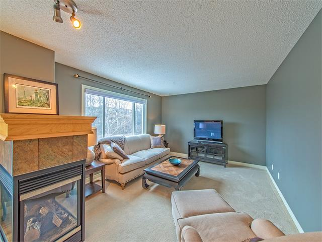 Photo 5: 55 ROCKLEDGE Terrace NW in Calgary: Rocky Ridge Ranch House  : MLS(r) # C4005810