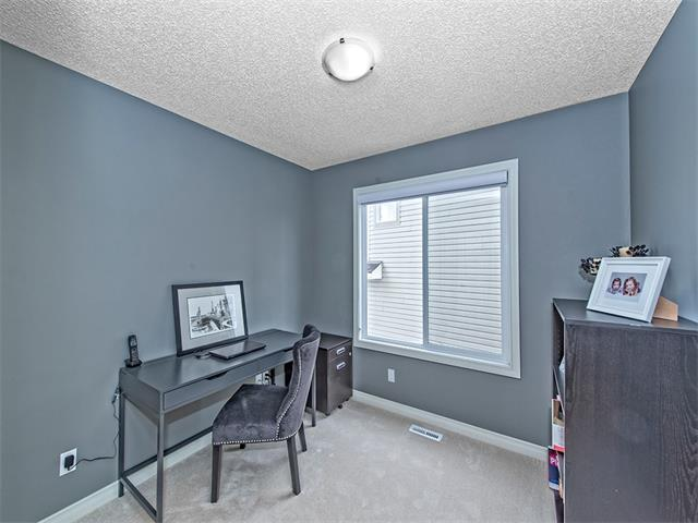 Photo 7: 55 ROCKLEDGE Terrace NW in Calgary: Rocky Ridge Ranch House  : MLS(r) # C4005810