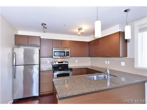 Photo 7: 312 1315 Esquimalt Road in VICTORIA: Es Saxe Point Condo Apartment for sale (Esquimalt)  : MLS(r) # 362360