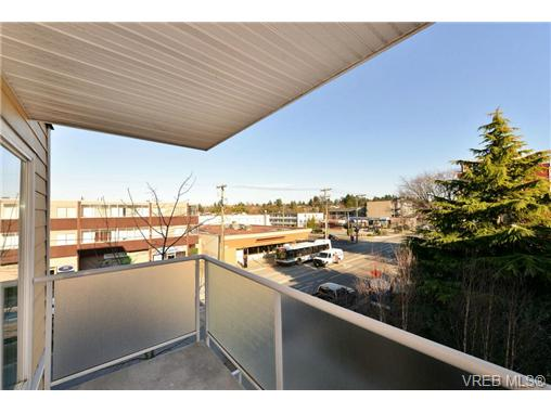 Photo 5: 312 1315 Esquimalt Road in VICTORIA: Es Saxe Point Condo Apartment for sale (Esquimalt)  : MLS(r) # 362360