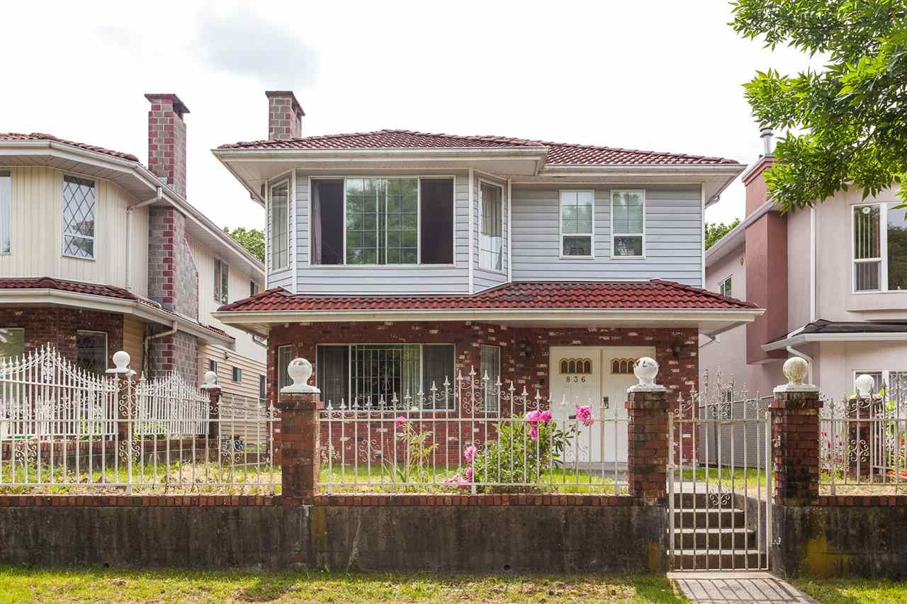 Photo 2: 836 E 20TH Avenue in Vancouver: Fraser VE House for sale (Vancouver East)  : MLS(r) # R2071355