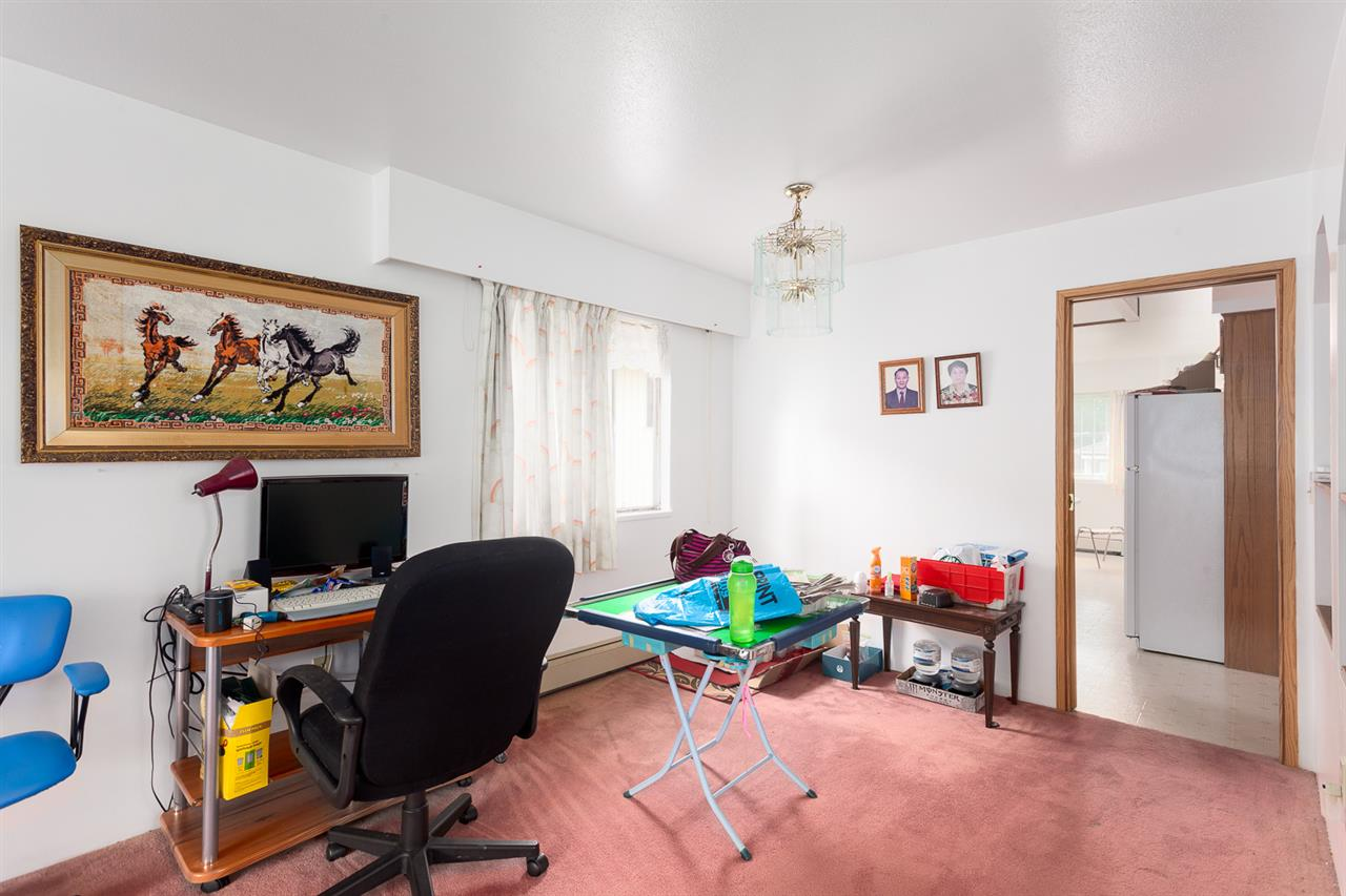 Photo 4: 836 E 20TH Avenue in Vancouver: Fraser VE House for sale (Vancouver East)  : MLS(r) # R2071355