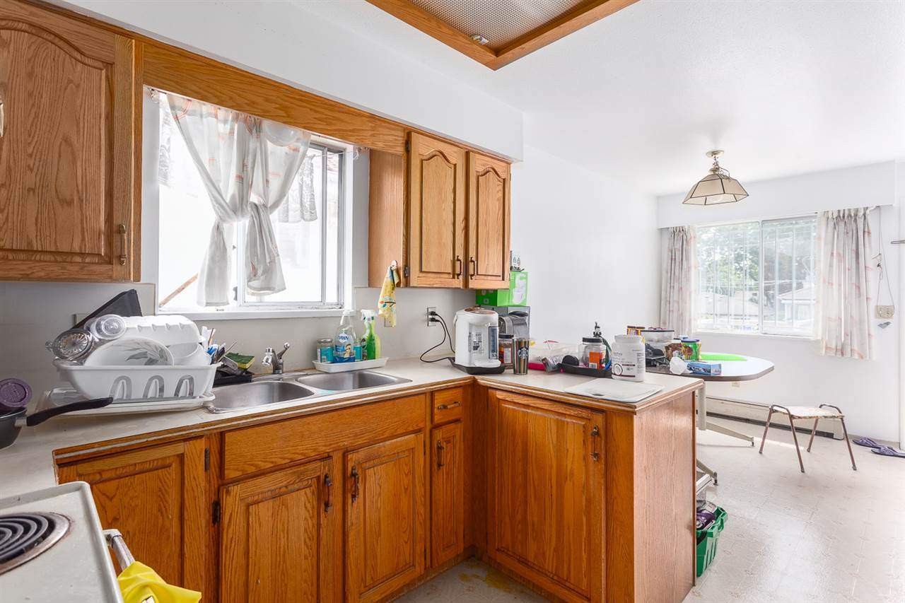 Photo 5: 836 E 20TH Avenue in Vancouver: Fraser VE House for sale (Vancouver East)  : MLS(r) # R2071355