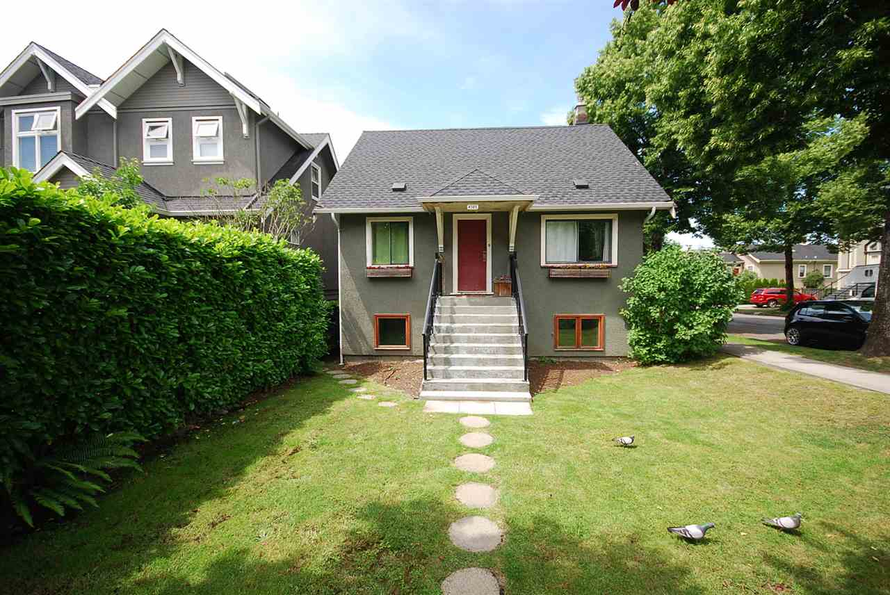 Main Photo: 4305 PRINCE ALBERT Street in Vancouver: Fraser VE House for sale (Vancouver East)  : MLS® # R2077267