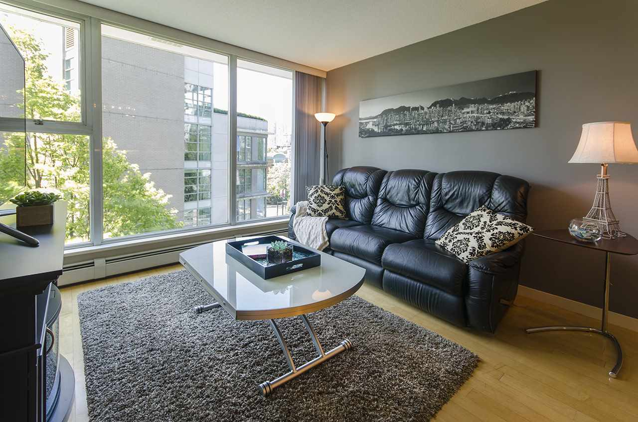 "Main Photo: 707 1008 CAMBIE Street in Vancouver: Yaletown Condo for sale in ""Waterworks"" (Vancouver West)  : MLS(r) # R2092639"