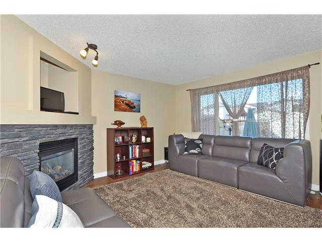 Photo 4: 236 COVEBROOK Close NE in Calgary: Coventry Hills House for sale : MLS(r) # C4082925