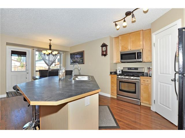 Photo 8: 236 COVEBROOK Close NE in Calgary: Coventry Hills House for sale : MLS(r) # C4082925