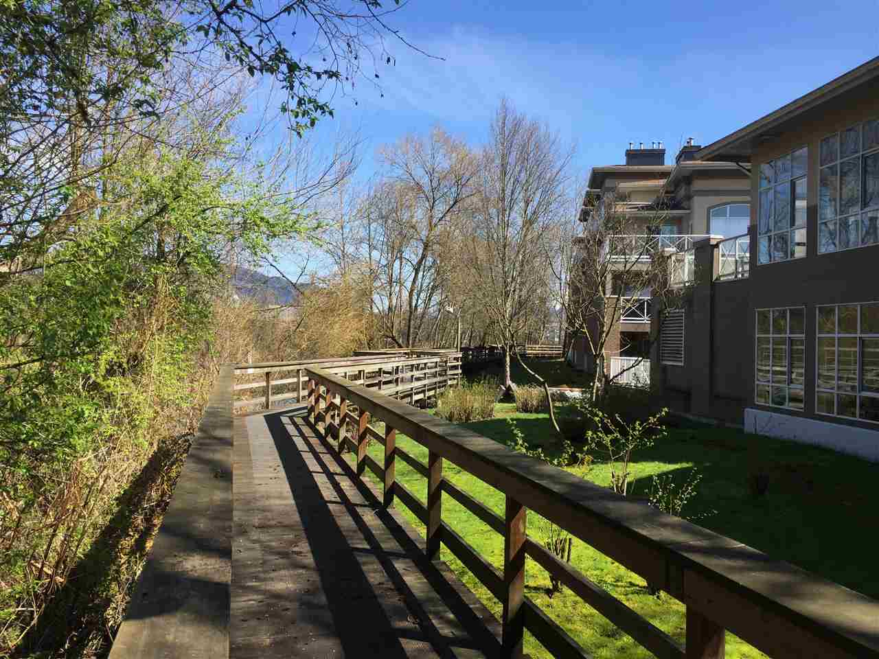 "Photo 4: 216 2559 PARKVIEW Lane in Port Coquitlam: Central Pt Coquitlam Condo for sale in ""THE CRESCENT"" : MLS(r) # R2156465"