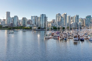 "Main Photo: 774 MILLBANK in Vancouver: False Creek Townhouse for sale in ""CREEK VILLAGE"" (Vancouver West)  : MLS® # R2170130"