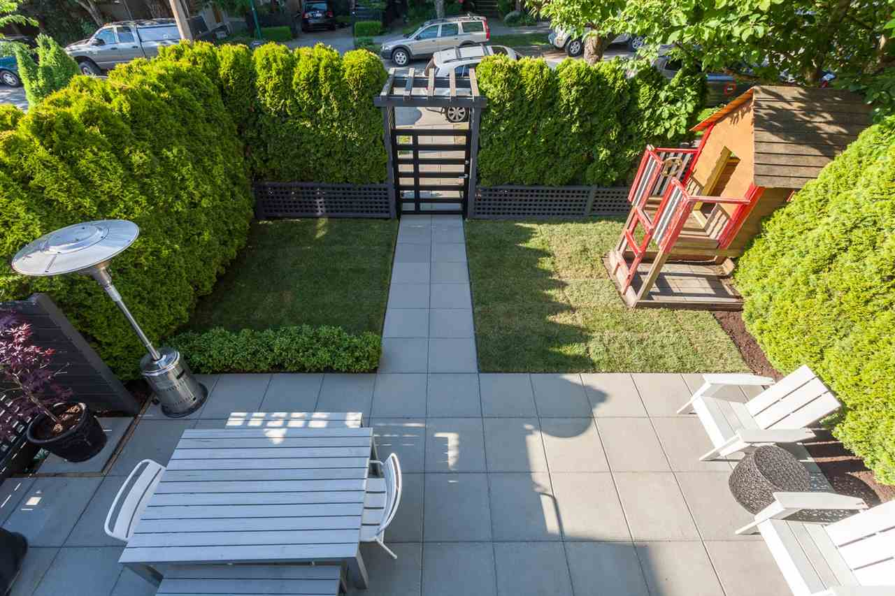 Photo 13: 54 W 14TH Avenue in Vancouver: Mount Pleasant VW House 1/2 Duplex for sale (Vancouver West)  : MLS® # R2173717