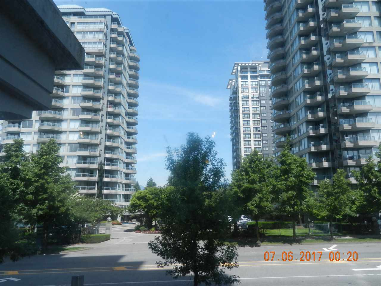 "Main Photo: 201 13380 108 Avenue in Surrey: Whalley Condo for sale in ""CITY POINT 2"" (North Surrey)  : MLS(r) # R2175625"