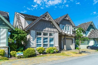"Main Photo: 13 6177 169 Street in Surrey: Cloverdale BC Townhouse for sale in ""Northview Walk"" (Cloverdale)  : MLS® # R2189354"