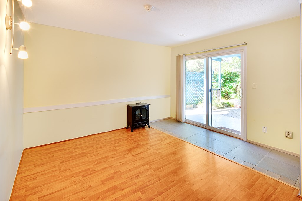 Photo 5: 1551 COQUITLAM Avenue in Port Coquitlam: Glenwood PQ House for sale : MLS® # R2205019