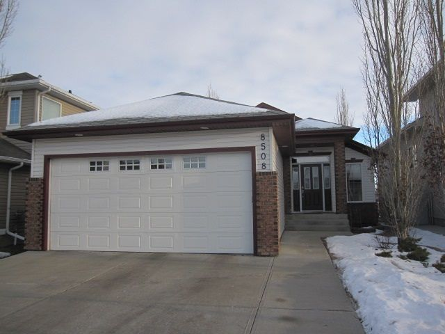 Main Photo: 8508 175 Avenue NW in Edmonton: Zone 28 House for sale : MLS® # E4084813