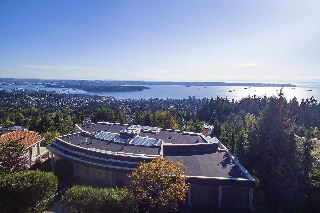 Main Photo: 1430 CHIPPENDALE Road in West Vancouver: Chartwell House for sale : MLS® # R2215297