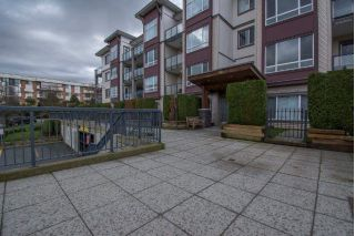 Main Photo: 212 2943 NELSON Place in Abbotsford: Central Abbotsford Condo for sale : MLS® # R2238059