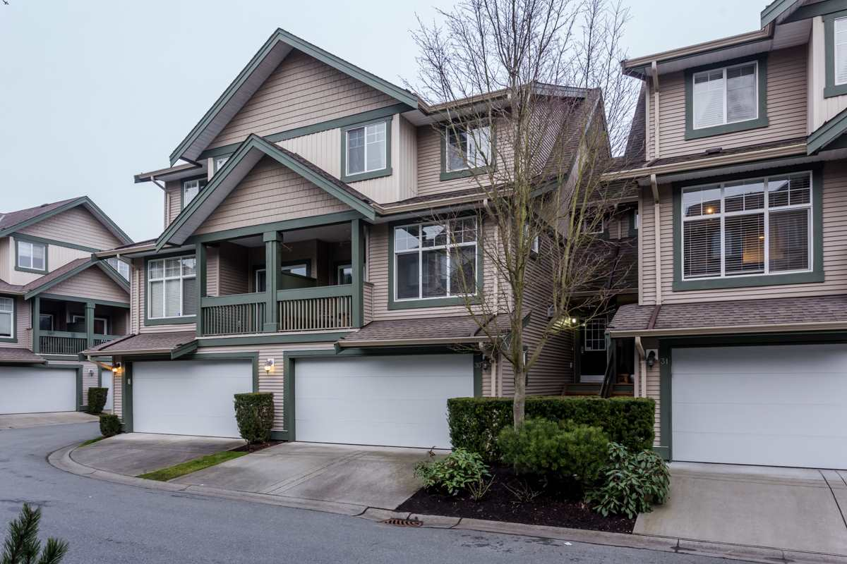 "Main Photo: 30 6050 166 Street in Surrey: Cloverdale BC Townhouse for sale in ""Westfield"" (Cloverdale)  : MLS®# R2244806"
