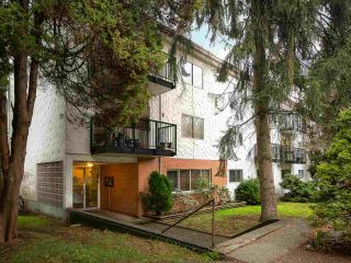 Main Photo: 64 2002 ST JOHNS Street in Port Moody: Port Moody Centre Condo for sale : MLS® # R2247083