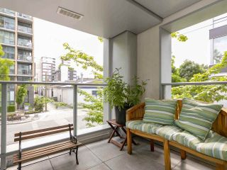 "Main Photo: 1839 CROWE Street in Vancouver: False Creek Townhouse for sale in ""FOUNDRY"" (Vancouver West)  : MLS®# R2277227"