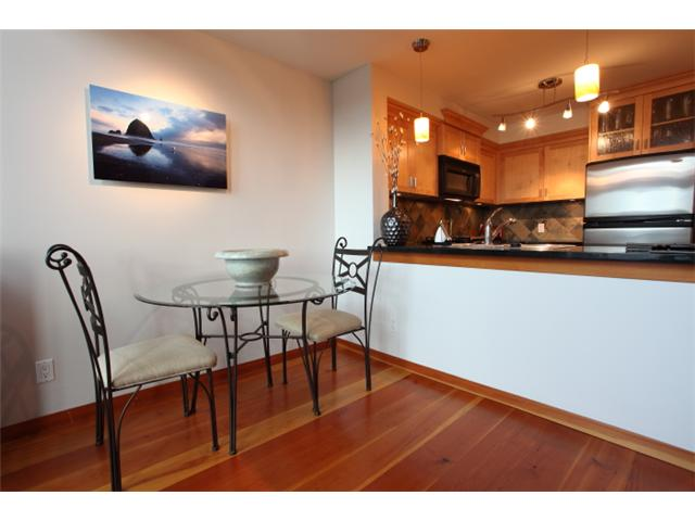 Photo 6: 304 7 RIALTO Court in New Westminster: Quay Condo for sale : MLS® # V916596