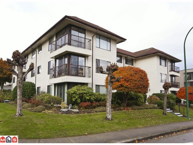 "Main Photo: 102 15317 THRIFT Avenue: White Rock Condo for sale in ""THE NOTTINGHAM"" (South Surrey White Rock)  : MLS® # F1127504"