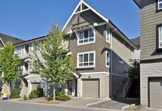 Main Photo: 86 6747 203 Street in Langley: Willoughby Townhouse for sale : MLS®# F1122863