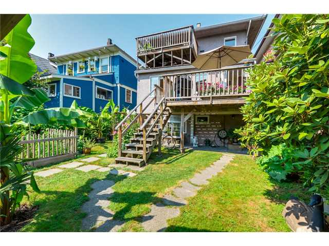 "Photo 20: 1370 E 10TH Avenue in Vancouver: Grandview VE House for sale in ""COMMERCIAL DRIVE"" (Vancouver East)  : MLS(r) # V1085115"