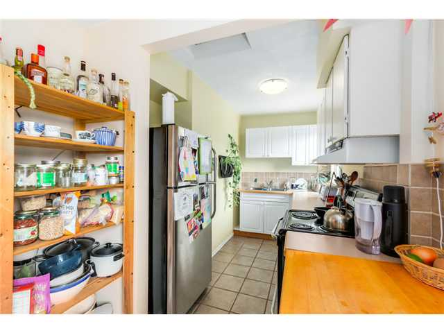 "Photo 9: 1370 E 10TH Avenue in Vancouver: Grandview VE House for sale in ""COMMERCIAL DRIVE"" (Vancouver East)  : MLS(r) # V1085115"