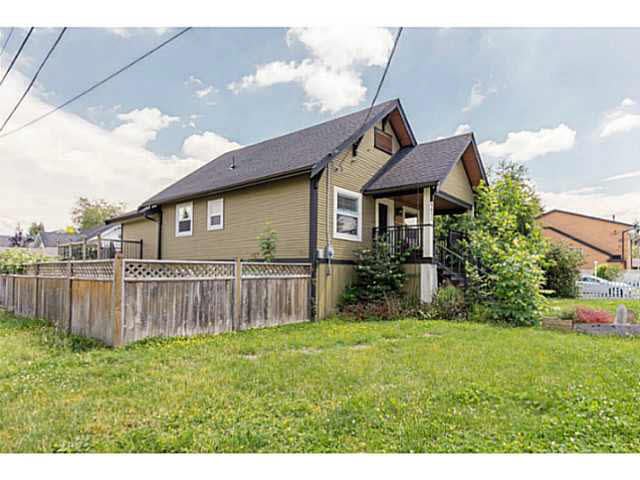 Main Photo: 9612 YOUNG Road in Chilliwack: Chilliwack N Yale-Well House for sale : MLS® # H2152114