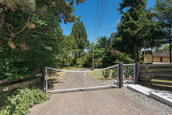 "Main Photo: 16911 30A Avenue in Surrey: Grandview Surrey House for sale in ""GRANDVIEW HEIGHTS"" (South Surrey White Rock)  : MLS® # R2031708"