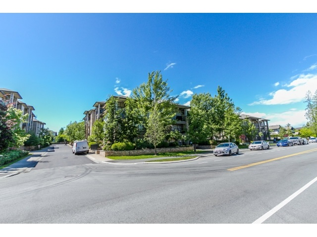 "Photo 39: 506 8717 160 Street in Surrey: Fleetwood Tynehead Condo for sale in ""Vernazza"" : MLS(r) # R2066443"