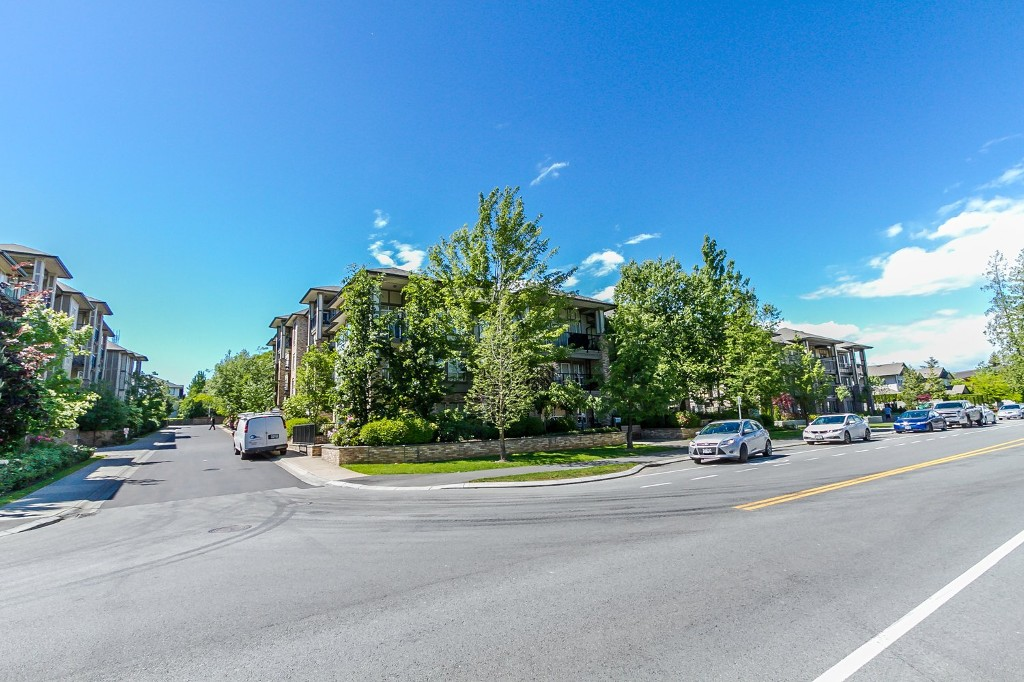 "Photo 7: 506 8717 160 Street in Surrey: Fleetwood Tynehead Condo for sale in ""Vernazza"" : MLS(r) # R2066443"